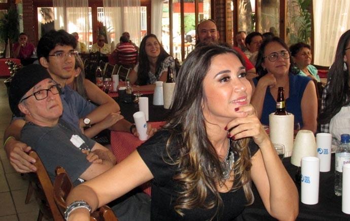 Simone Castro diz que momento com amigos e convidados foi sensacional (Foto: Katylenin França)
