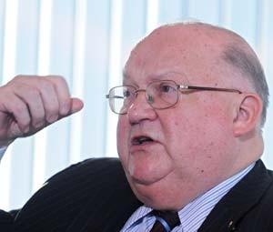 Ex-primeiro ministo da Bélgica, Jean-Luc Dehaene em foto de janeiro de 2009 (Foto: FP PHOTO / BELGA / ERIC VIDAL)