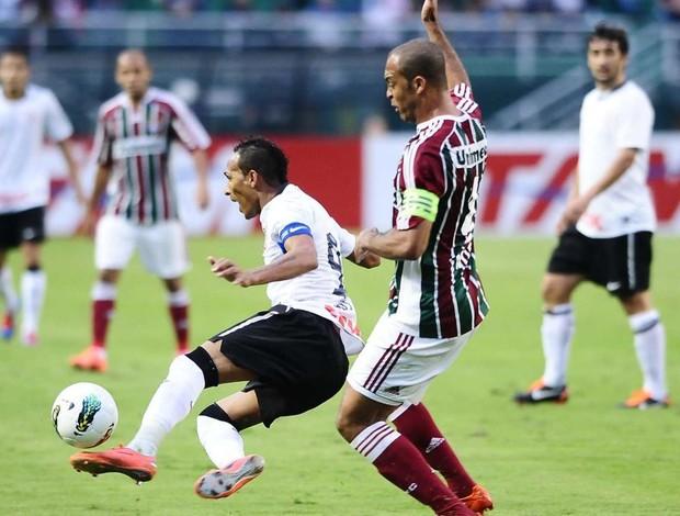 Liedson e Leandro Euzébio no Corinthians 0 x 1 Fluminense (Foto: Marcos Ribolli / Globoesporte.com)