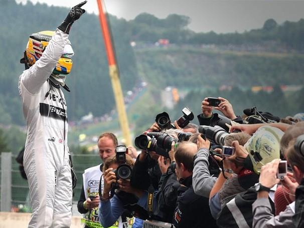 Lewis Hamilton sai na pole no GP da Bélgica de Fórmula 1, que a Globo exibe neste domingo, dia 25 (Foto: Associated Press)