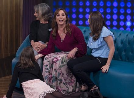 Filha de Heloísa Périssé tem reação engraçada ao saber que vídeo dela passaria na TV