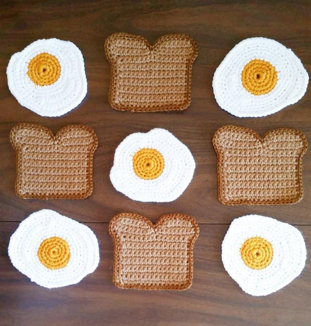 Tapete em crochê, da artista Carly Dellger (Foto: Reprodução/Etsy)