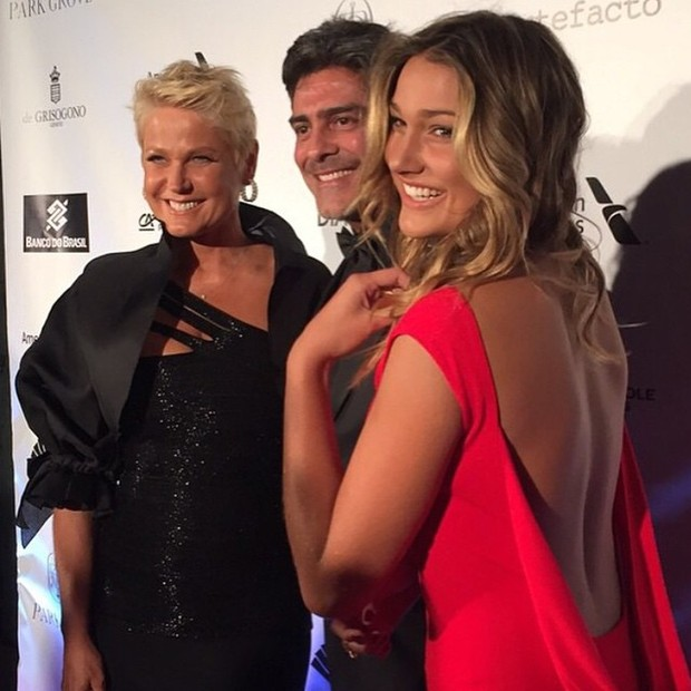 Xuxa Meneghel, Junno Andrade e Sasha (Foto: Reprodução/Instagram)