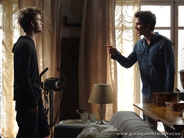 Ben arrasa com Sidney depois de saber a verdade (Foto: Malhação / TV Globo)
