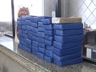 PF apreende carro com 58 quilos de pasta base de cocaína em Castilho