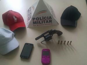 Polícia evita assalto em Santo Antônio do Monte (Foto: Polícia Militar/Divulgação)
