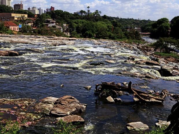 Rio Piracicaba em fotografia tirada no dia 4 de janeiro de 2014  (Foto: Mateus Medeiros)