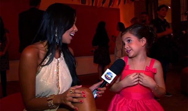 O carisma de Mel Maia encanta a apresentadora Niara Meireles. Ela é uma Joia Rara! (Foto: Divulgação/TV Verdes Mares)