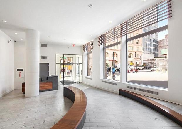 Lobby do prédio onde fica a cobertura de Rihanna (Foto: reprodução)