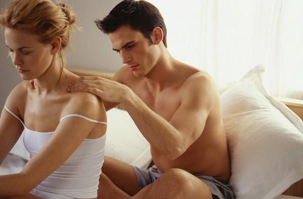 Massagem entre casais melhora a relação (Foto: Think Stock)
