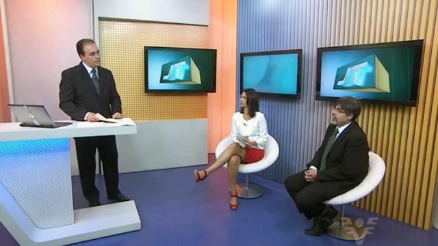 Tony Lamers e Vanessa Machado entrevistando o advogado Ranieri Cecconi  (Foto: Reprodução / TV Tribuna)