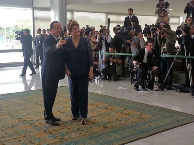 O presidente francês François Hollande é recebido como honras de chefe de Estado no Palácio do Planalto (Foto: Juliana Braga/G1)