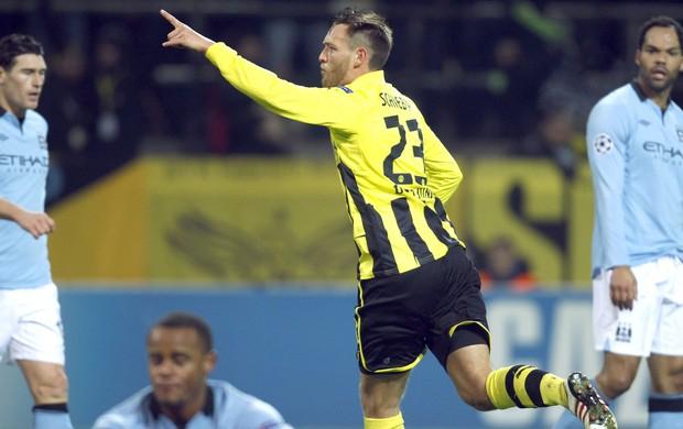 Julian Schieber comemora gol do Borussia contra o Manchester City (Foto: Agência Reuters)