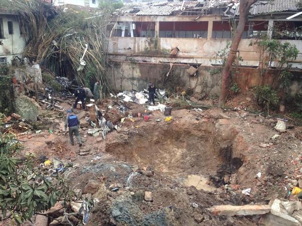 Queda do avião destruiu local do acidente (Foto: Mariane Rossi / G1)
