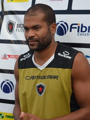 Lenílson, Botafogo-PB, Campeonato Brasileiro, Série D, Estádio Almeidão, meia, Estádio Almeidão, treino (Foto: Richardson Gray / Globoesporte.com/pb)