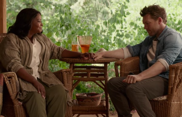 Octavia Spencer e Sam Worthington no trailer de 'A Cabana' (Foto: Reprodução)