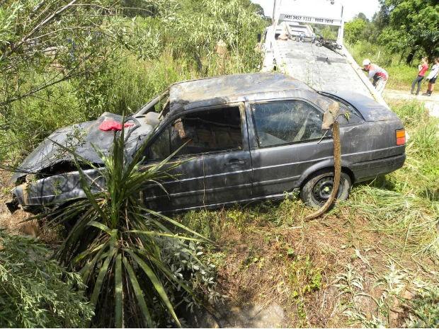 Carro foi furtado na garagem de uma residência em Irati, na região central do Paraná (Foto: Divulgação/PM de Irati)