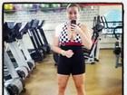 Ex-BBB Paulinha posta foto com decote após treino na academia
