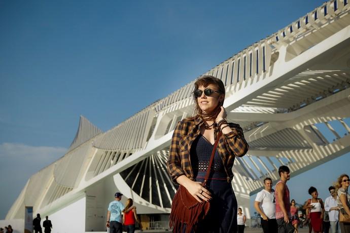 Alice Wegmann sendo linda durante as gravações (Foto: Raphael Dias/Gshow)