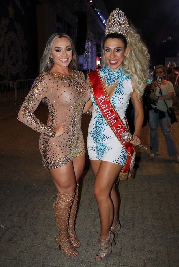 Juju Salimeni e Fernanda Catanoce, rainha do Carnaval da Cidade de São Paulo 2017 (Foto: Renato Cipriano / Divulgação)