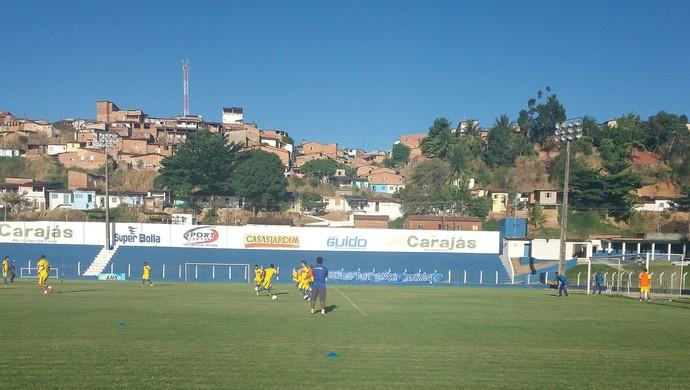 Jogadores do CSA participam do treino com bola (Foto: Augusto Oliveira / GloboEsporte.com)