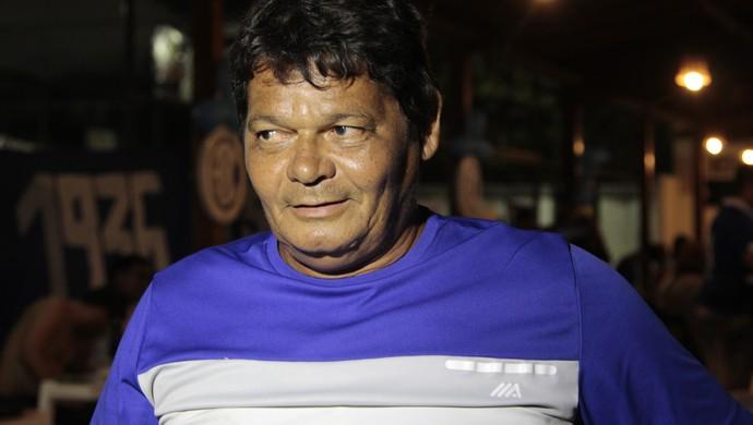 Nininho, Confiança, torcida (Foto: Osmar Rios / GloboEsporte.com)