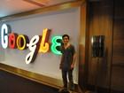 'Só tiro para tomar banho e dormir' diz jovem que ganhou Google Glass