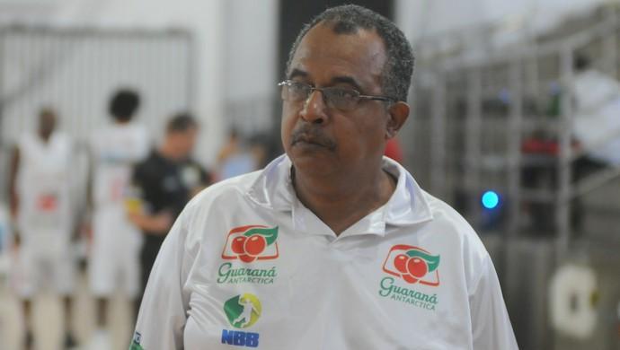 Alarico Duarte, técnico (Foto: Ricardo Medeiros/A Gazeta)