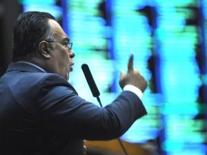 O deputado André Vargas discursa no plenário da Câmara em 2 de abril (Foto: Laycer Tomaz / Câmara dos Deputados)