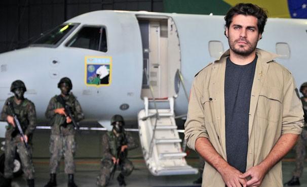 Para viver o personagem, Thiago Lacerda visitou a sede da ABIN em Brasília (Foto: Divulgação)