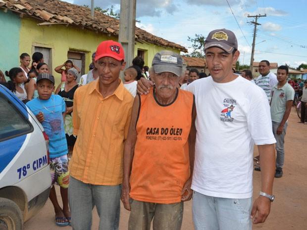 Homem aparece no próprio velório em Vitória da Conquista, na Bahia (Foto: Blog do Anderson)
