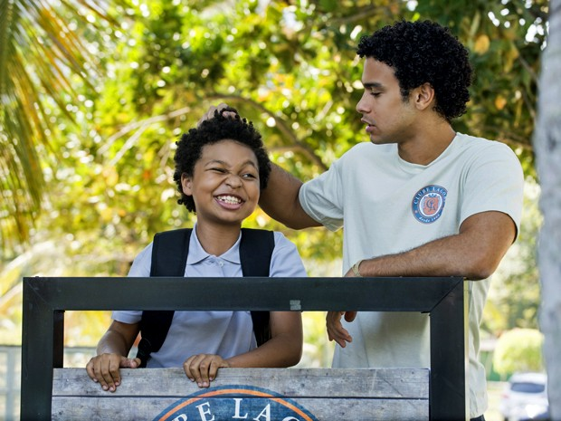 JP Rufino e Sergio Malheiros são os irmãos Azeitona e Emerson em Alto Astral (Foto: Raphael Dias/ TV Globo)