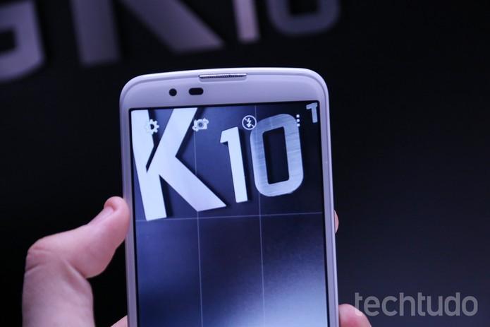 LG K10 tem câmera frontal de 8 MP e recursos para selfies (Foto: Marlon Câmara/TechTudo)