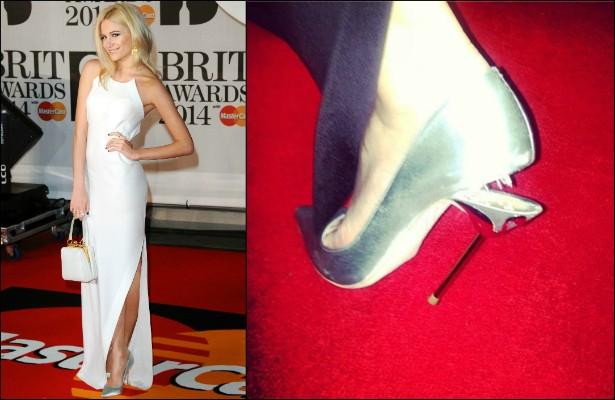Aliás, Pixie Lott teve outro tipo de problema de figurino em fevereiro, no Brit Awards. A cantora quebrou o salto do sapato no meio da premiação! Ninguém merece. (Foto: Getty Images)