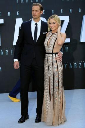 Alexander Skarsgard e Margot Robbie em première de filme em Londres, na Inglaterra (Foto: Paul Hackett/ Reuters)