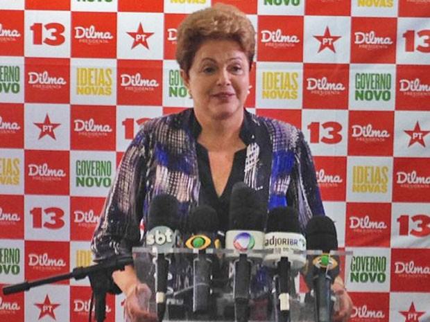 Dilma Rousseff durante entrevista em atividade de campanha em Florianópolis (Foto: Mariana de Ávila / G1 SC)