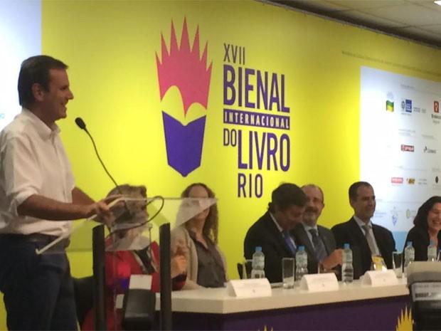 Paes confirmou mais aporte financeiro para escolas de samba (Foto: Gabriel Barreira / G1)