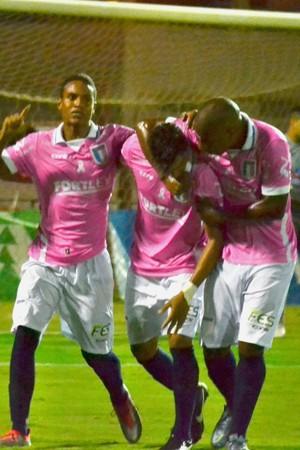 Jogadores comemoram o gol de Iuri Pimentel na primeira partida da final da Copa ES (Foto: João Brito/Espírito Santo FC)