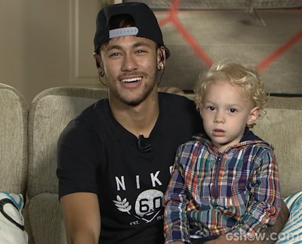 Neymar e o pequeno David Lucca (Foto: Domingão do Faustão/TV Globo)
