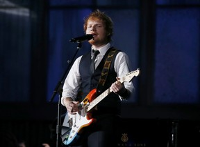 Ed Sheeran canta Thinking out loud no Grammy  (Foto: Lucy Nicholson/ Reuters)