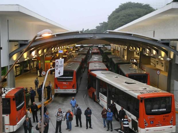 SP greve ônibus Terminal Lapa  (Foto: Futura Press/Folhapress)