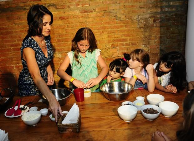 Mayra Abbondanza preparou quatro receitas saudáveis (Foto: Sylvia Gosztonyi/ Editora Globo)