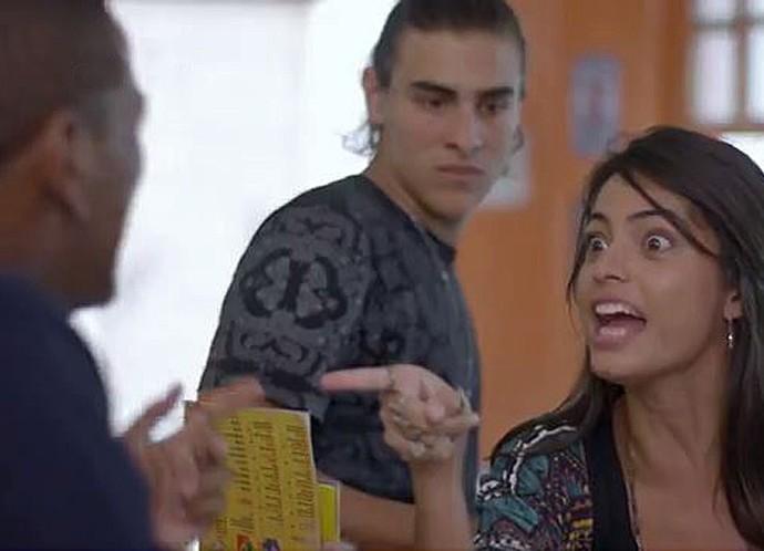 Krica dá dura em Cleyton (Foto: Tv Globo)