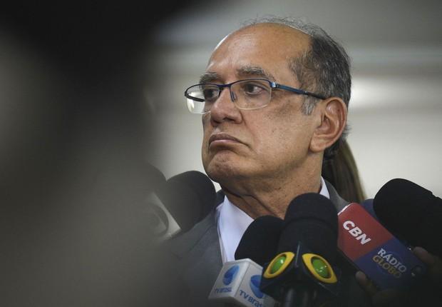 O presidente do Tribunal Superior Eleitoral, Gilmar Mendes, visita Cartório Eleitoral no Rio de Janeiro (Foto: Tânia Rêgo/Agência Brasil)