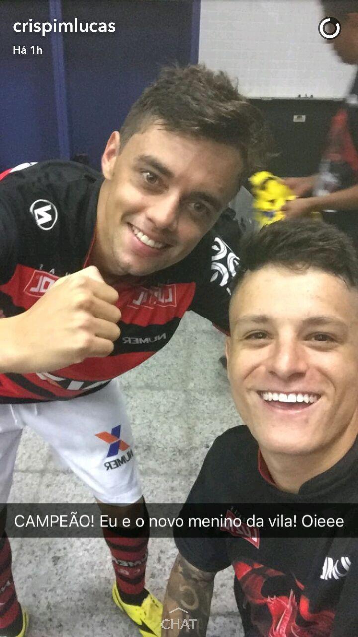 """BLOG: Lucas Crispim comemora título com Matheus Ribeiro: """"Novo Menino da Vila"""""""
