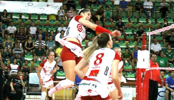 Vôlei Bauru x Sesi-SP, Superliga, Mari Cassemiro (Foto: Neide Carlos / Vôlei Bauru)