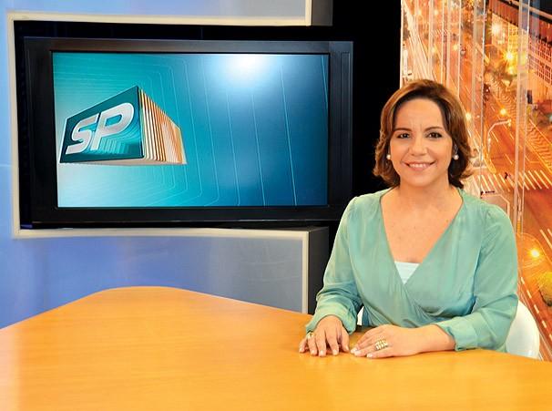 Cintia Aquino retorna para a bancada do SPTV 2ª Edição nesta segunda, 16 (Foto: Marketing / TV Fronteira)