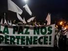 Milhares de pessoas participam de manifestação pela paz em Medellín