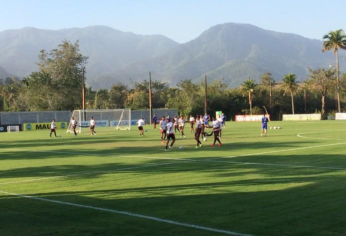 Flamengo treina no Ninho do Urubu (Foto: Ivan Raupp/GloboEsporte.com)