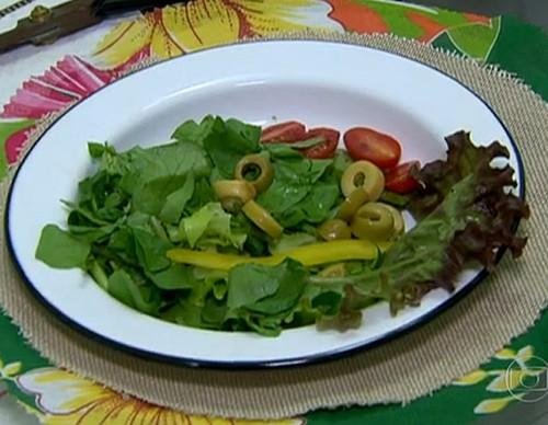 Salada de Folhas Verdes com Molho Agridoce